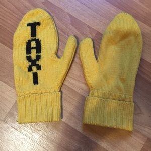 TAXI Mittens - Kate Spade